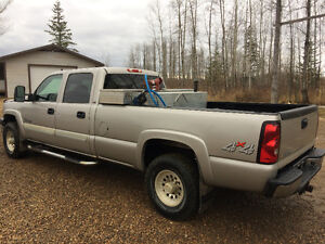 "2006 Chevrolet 2500 LT ""DURAMAX LONG BOX"""