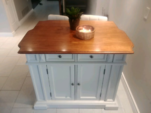Kitchen Island with Distressed Oak Top