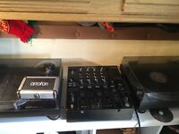 Technics 1210 mk5, pioneer djm 800 and ortofon needles