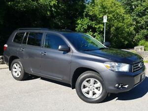 2010 Toyota Highlander V6 4WD only 123,000 km