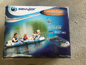 SEVYLOR COLOSSUS 4PERSON INFLATABLE BOAT