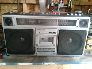 RARE VINTAGE telefunken radio