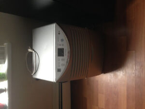 Dehumidifier - a bit old but barely used