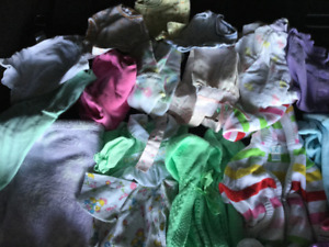 Baby girl clothing, 0-3 months, good condition, smoke free!