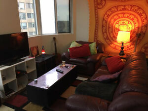 Seeking third student roommate to rent room downtown (jan-apr)