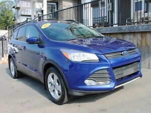 2015 Ford Escape SE / 1.6L I4 Turbo / Auto / 4x4 *Amazing Deal!*
