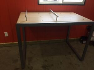 Display Table or table for a Garage