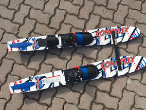 Connelly trainer skis and size small waterski gloves
