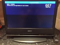 Sony bravia lcd hd 21 inch tv/ computer monitor with remote controll