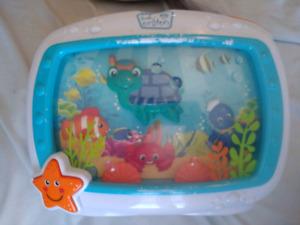 aquarium baby einstein, livre vtech, bébé