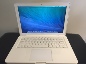 Macbook late 2009 13 inch white + charger