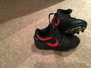 ***SOCCER SHOES***