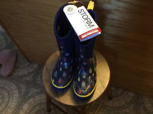 Boys  brand new with tags size 1 Storm boots by cougar