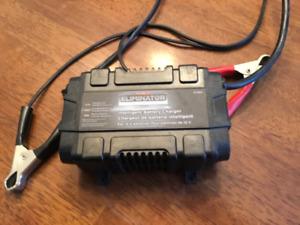 chargeur et mainteneur de charge batterie 12v