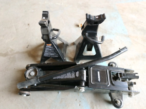 husky 3T floor jack stand and one pair stand