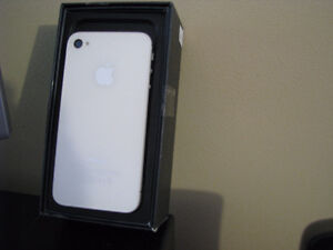 Apple i phone 4S 16 GB 3G Smartphone White new /reduced