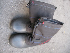 Snow Boots boys Size 4