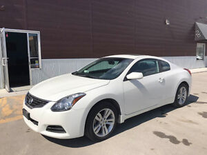 2012 Nissan Altima Coupe, fully loaded top of the line