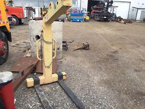 2008 Adjustable and self leveling Crane Fork for sale