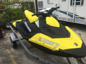 2017 Seadoo Spark 3up 90HP 900 Ace- *10 Hours on it*