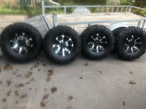 Maxxis Bighorn 2.0 30inch tires on Can-Am rims