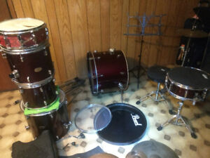 Pearl Forum Drum Kit Plus Extra Cymbals and Accessories  - $300