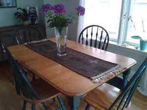 Blond Dining Table and 4 Chairs Peterborough Peterborough Area image 1