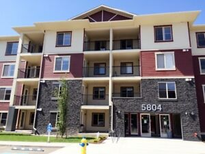 3 Bed Rooms, 2 Bath Rooms, 2 parking spots CONDO for Rent