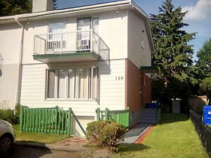 7 room Hull rooming house. Central & renovated.