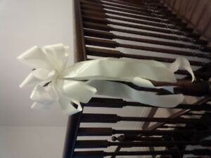 Bows in Ivory- 17 total