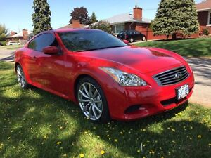 2010 Infiniti G37s sport coupe    ONLY 30000 km !!!!