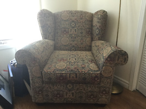 Fauteuille / Upholstered wing chair
