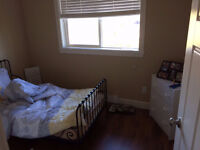 Room Available 2 min walk away from VIU Aug 1
