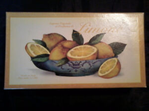 """Giftbox Lemon Scented """"Olive Oil"""" Soap (from Italy)"""