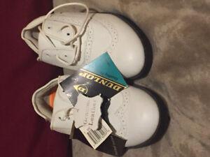Ladies Dunlop golf shoes
