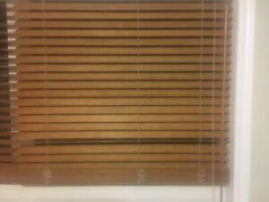 WOOD BLIND - SELLING QUICKLY - YOUR OFFER WILL BE ACCEPTED