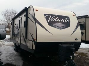 VOLANTE 33 SB LOADED, OUTDOOR KITCHEN, 2 Bedroom, Only 8034 Lbs.