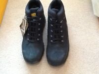 Dewalt size 6 safety boots brand new with tags