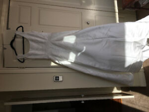 Stunning wedding gown size 8