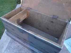 Antique dovetailed blanket box Peterborough Peterborough Area image 3