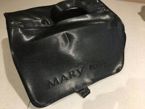 Mary Kay Travel Cosmetics Bag with removable organizers
