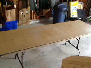 2 Free 8' Banquet tables