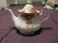 ROYAL ALBERT OLD COUNTRY ROSES PIECES