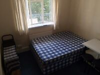Double room for single person 5 min walk to Parsons Green underground station
