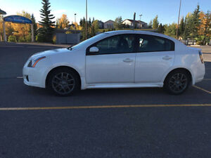 2011 Nissan Sentra SE-R Sedan with WINTER tires (Michelin xi3)
