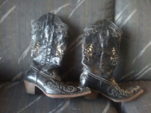 Corral Black Leather Cowgirl Pointed Toe Black Boots size 9.5