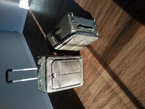 Suitcases - Valises