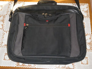 """LAPTOP CARRYING BRIEFCASE.17""""."""