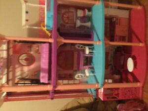 Barbie mansion with furniture and elevator