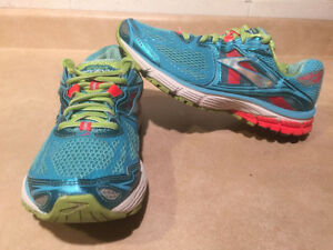 Women's Brooks Ravenna 5 DNA Running Shoes Size 9 London Ontario image 1